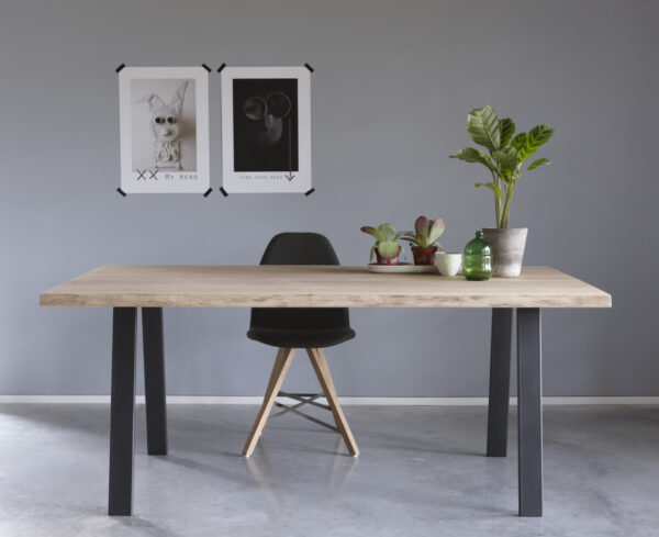 Table Brend 1