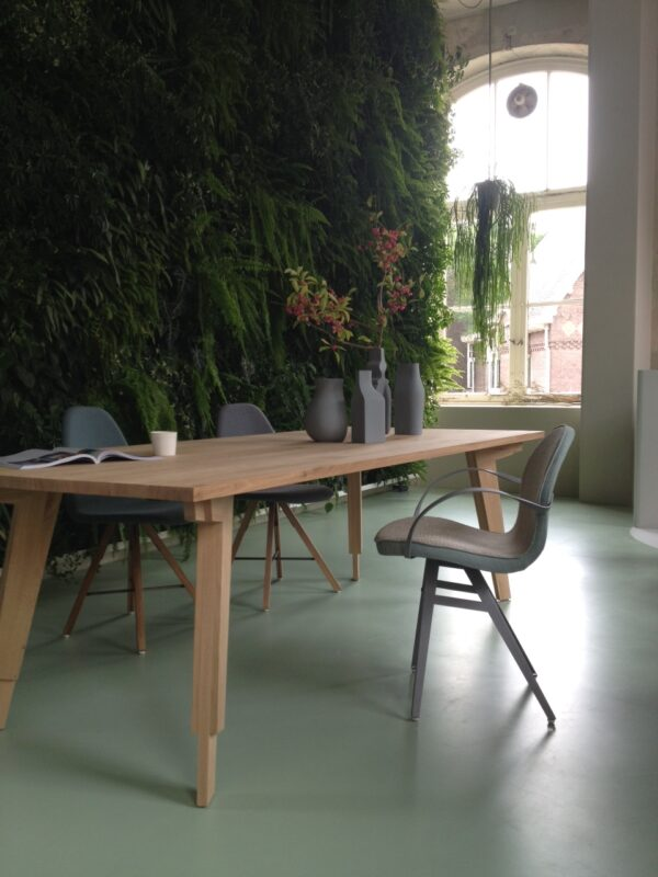 Swan table